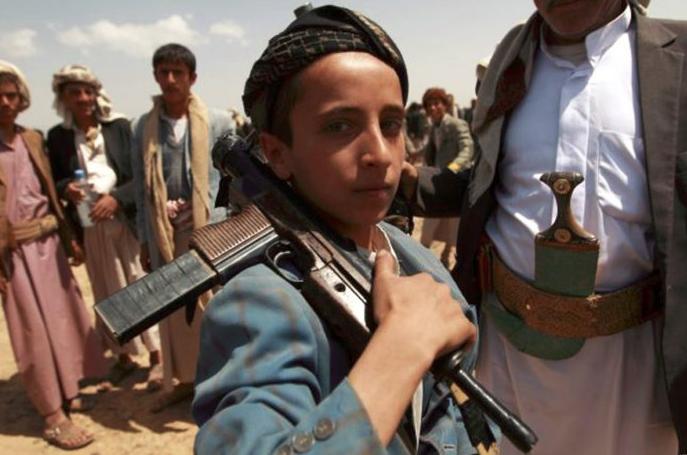 Más de 800 niños soldados reclutados en Yemen en 2017